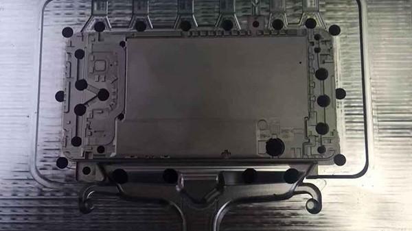 华为手机壳模具放电加工