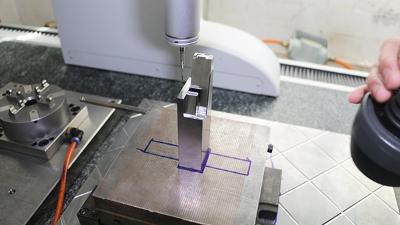 捷辉创-五金塑胶模具精密加工设备